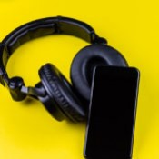 AUDÍFONOS / HEADPHONES (12)